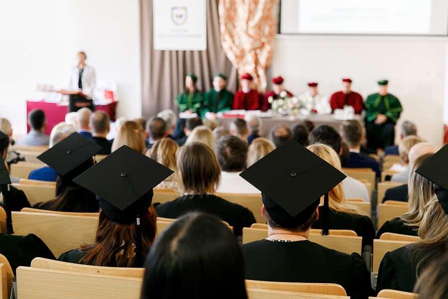 Uczelnia Jana Wyżykowskiego inauguracja roku akademickiego - zdjęcie ilustracyjne