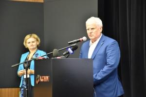 Na zdjęciu: drTadeusz Kierzyk, rektor uczelni przemawiający podczas konferencji wKGHM