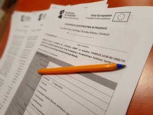 na zdjęciu wniosek idługopis