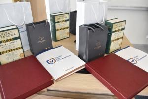 nagrody dla absolwentów